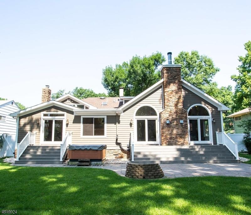独户住宅 为 销售 在 20 BROOKDALE Road 克兰弗德, 新泽西州 07016 美国
