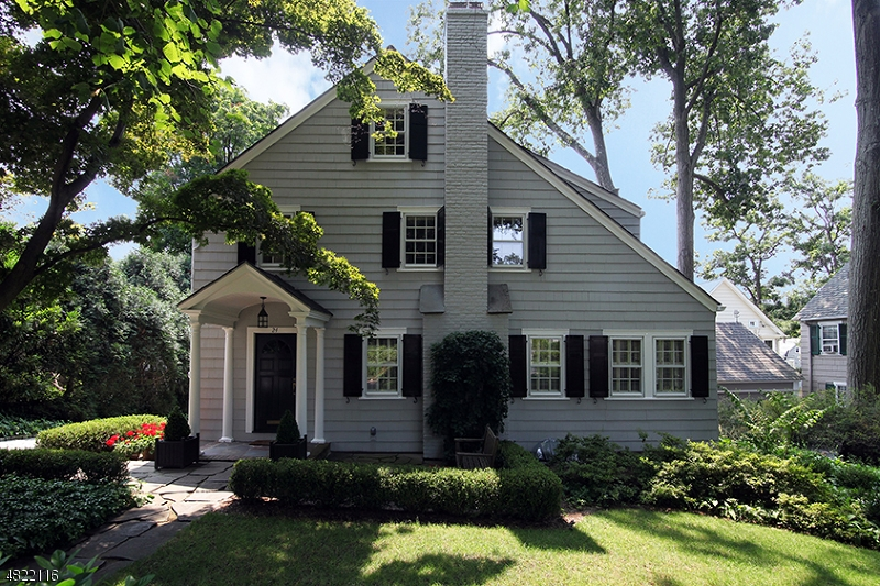 Casa Unifamiliar por un Alquiler en 24 Ridge Terrace Millburn, Nueva Jersey 07078 Estados Unidos