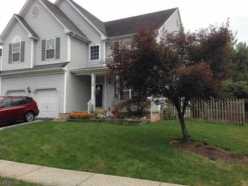 Maison unifamiliale pour l Vente à 18 REINHART WAY Bridgewater, New Jersey 08807 États-Unis