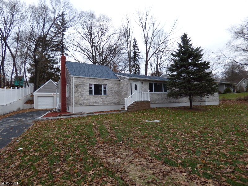 Single Family Home for Sale at 145 OAKWOOD Avenue North Haledon, New Jersey 07508 United States