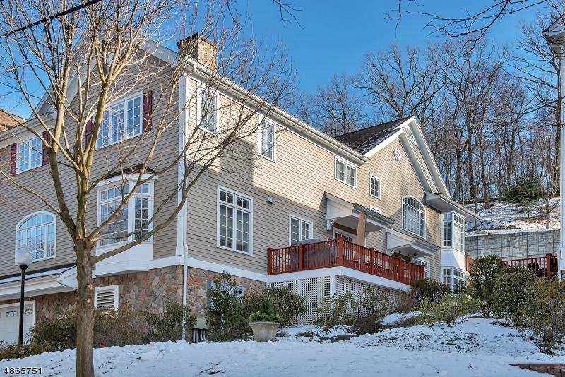 Кондо / дом для того Продажа на 58 CHESTNUT ST UNIT 2 Morristown, Нью-Джерси 07960 Соединенные Штаты