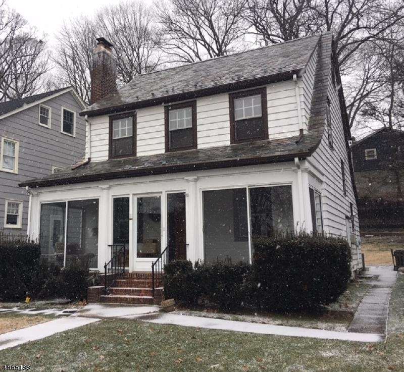 Enfamiljshus för Försäljning vid 44 CHAPMAN Place Glen Ridge, New Jersey 07028 Förenta staterna