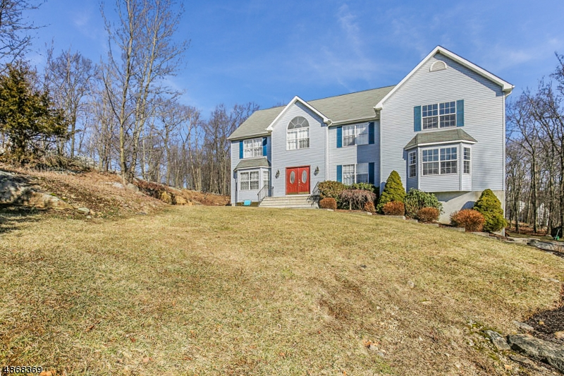 Single Family Home for Sale at 18 MT PLEASANT RD 18 MT PLEASANT RD Sparta, New Jersey 07871 United States