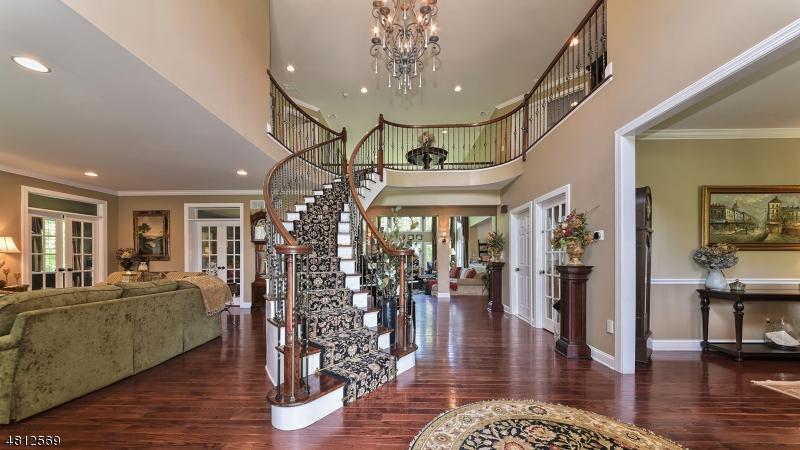 Maison unifamiliale pour l Vente à 188 S GLEN Road Kinnelon, New Jersey 07405 États-Unis