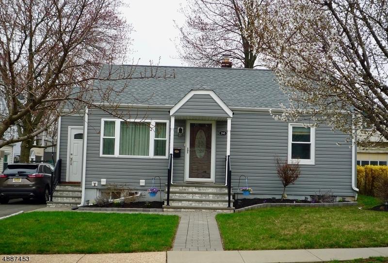 Maison unifamiliale pour l Vente à 260 CHURCH Street Lodi, New Jersey 07644 États-Unis
