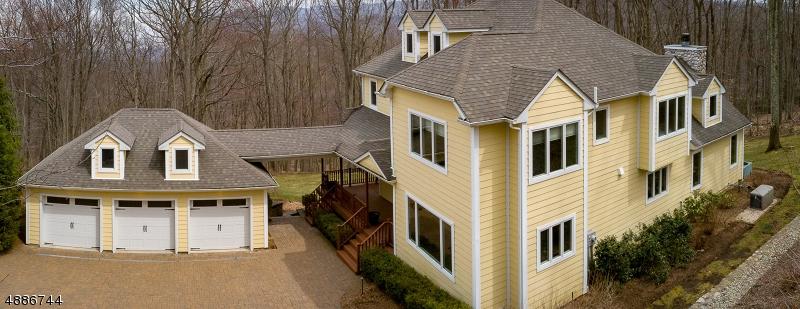 Частный односемейный дом для того Продажа на 61 WHITE Road Ringwood, Нью-Джерси 07456 Соединенные Штаты