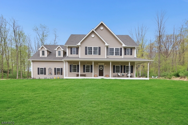 Single Family Homes للـ Sale في Lebanon, New Jersey 08826 United States