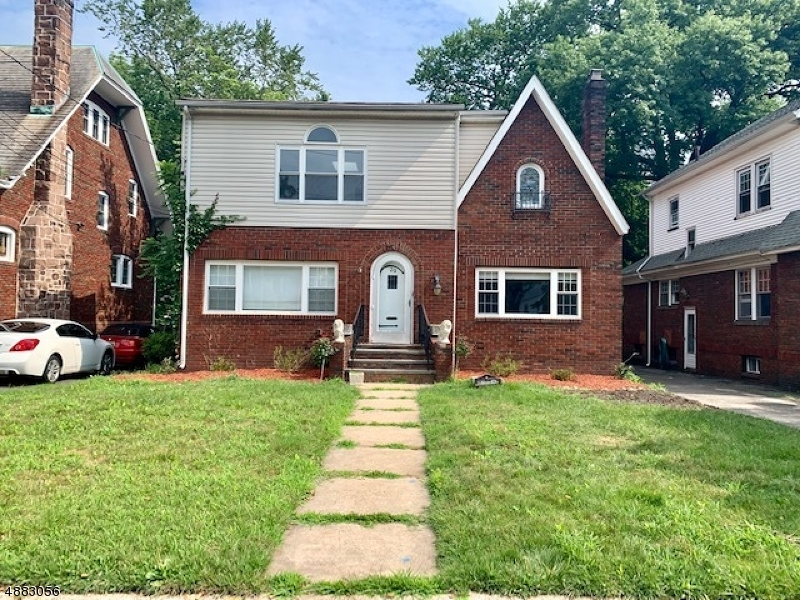 Single Family Homes 為 出售 在 Maplewood, 新澤西州 07040 美國