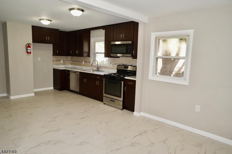 Multi-Family Homes 為 出售 在 Rahway, 新澤西州 07065 美國