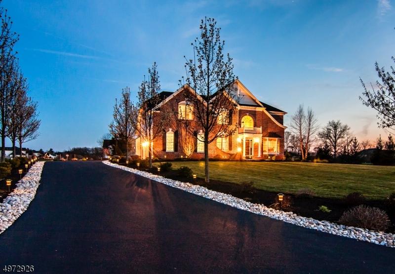 Single Family Homes por un Venta en Pittstown, Nueva Jersey 08867 Estados Unidos
