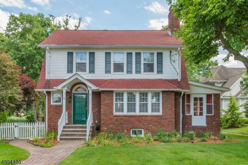 Single Family Homes για την Πώληση στο Cedar Grove, Νιου Τζερσεϋ 07009 Ηνωμένες Πολιτείες