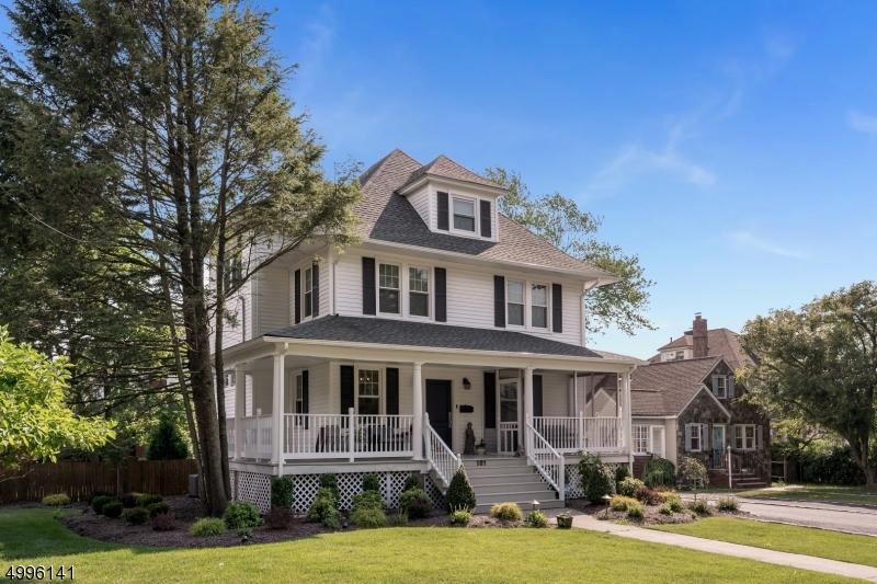 Single Family Homes のために 売買 アット Verona, ニュージャージー 07044 アメリカ