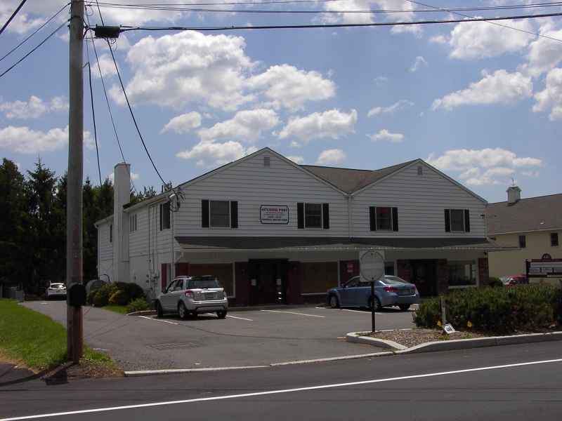 Commercial pour l Vente à 440 County Road 513 Califon, New Jersey 07830 États-Unis