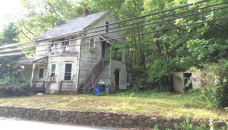 Additional photo for property listing at 93 Weaver Road  West Milford, New Jersey 07480 États-Unis