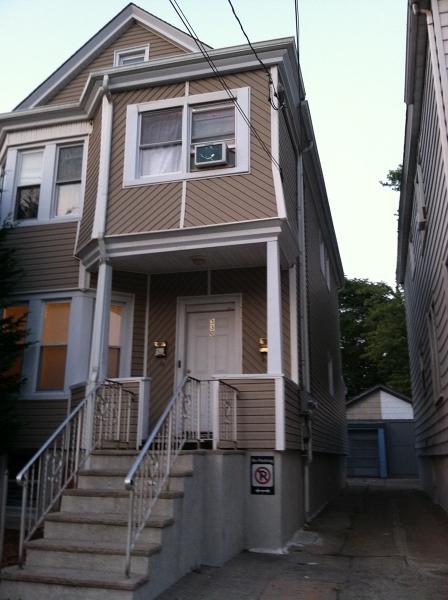 多户住宅 为 销售 在 330 River Drive Garfield, 新泽西州 07026 美国