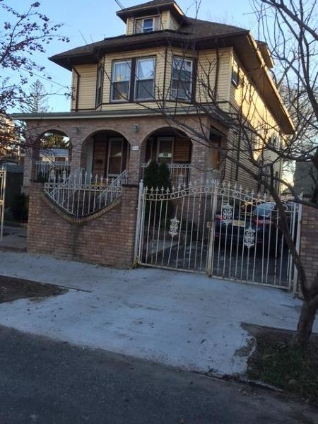 多户住宅 为 销售 在 Address Not Available Elizabeth, 新泽西州 07201 美国