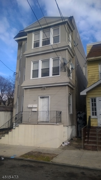 Additional photo for property listing at 764 S 16th Street  Newark, New Jersey 07103 États-Unis