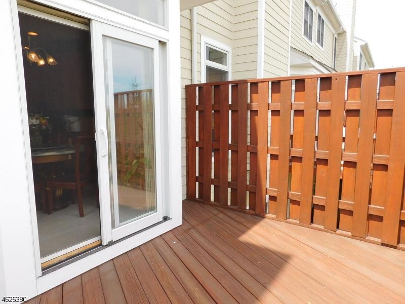Additional photo for property listing at 43 Chestnut Court  Cedar Grove, Нью-Джерси 07009 Соединенные Штаты