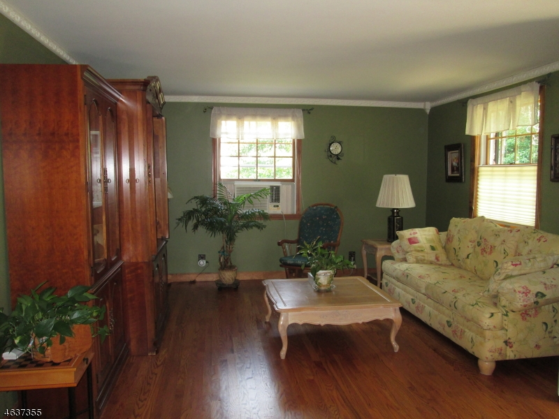Additional photo for property listing at 39 Fern Ter  Wayne, New Jersey 07470 United States
