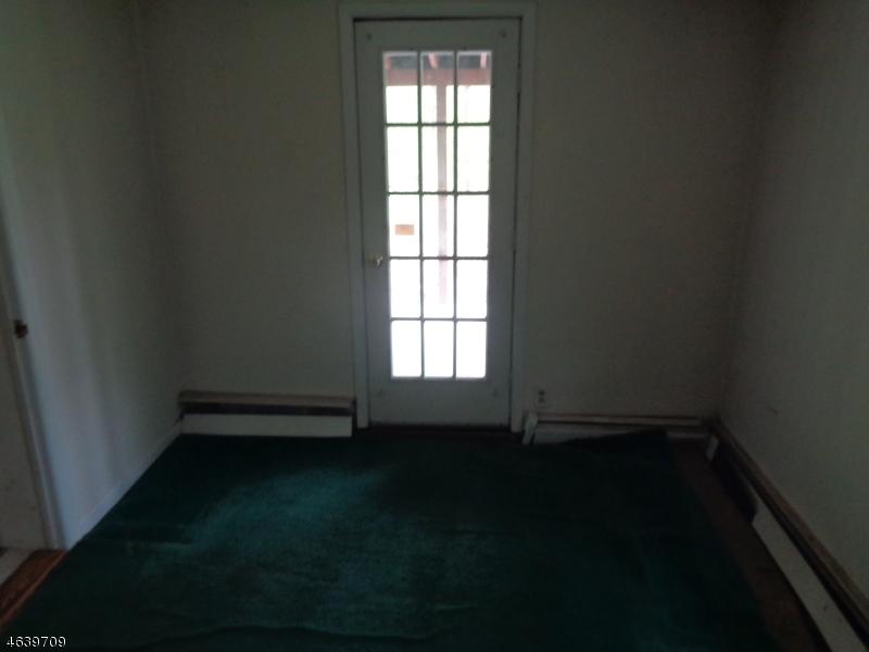 Additional photo for property listing at 68 Tamarack Road  Belvidere, 新泽西州 07823 美国