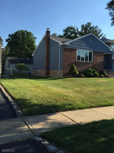 Additional photo for property listing at 700 Moses Drive  Rahway, Нью-Джерси 07065 Соединенные Штаты