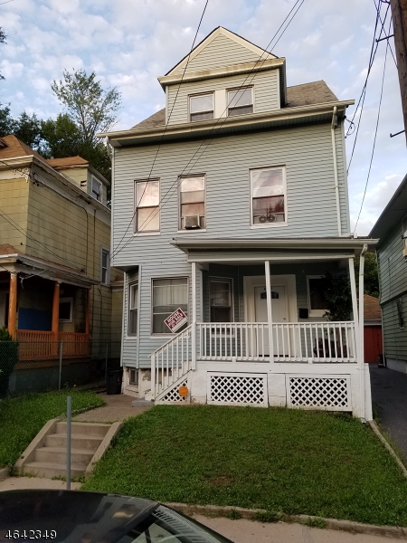 Additional photo for property listing at 661-663 E 29TH Street  Paterson, New Jersey 07504 États-Unis