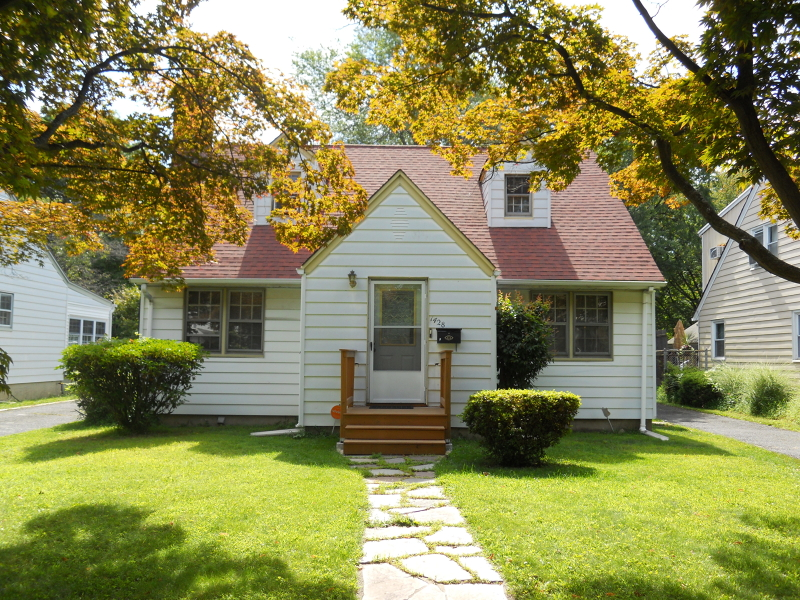 Casa Unifamiliar por un Venta en 1428-30 E FRONT Street Plainfield, Nueva Jersey 07060 Estados Unidos