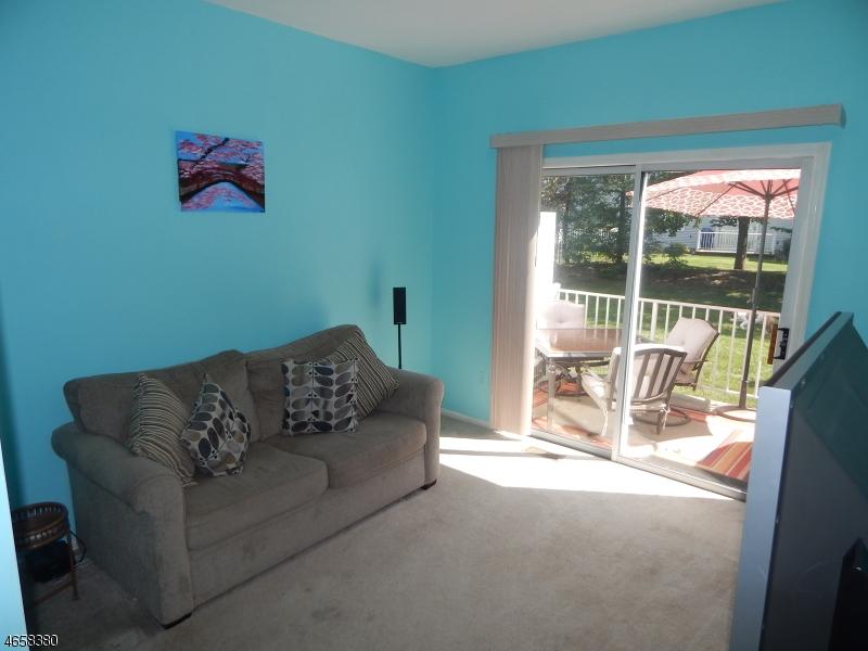 Additional photo for property listing at 1302 Magnolia Court  哈克特斯镇, 新泽西州 07840 美国