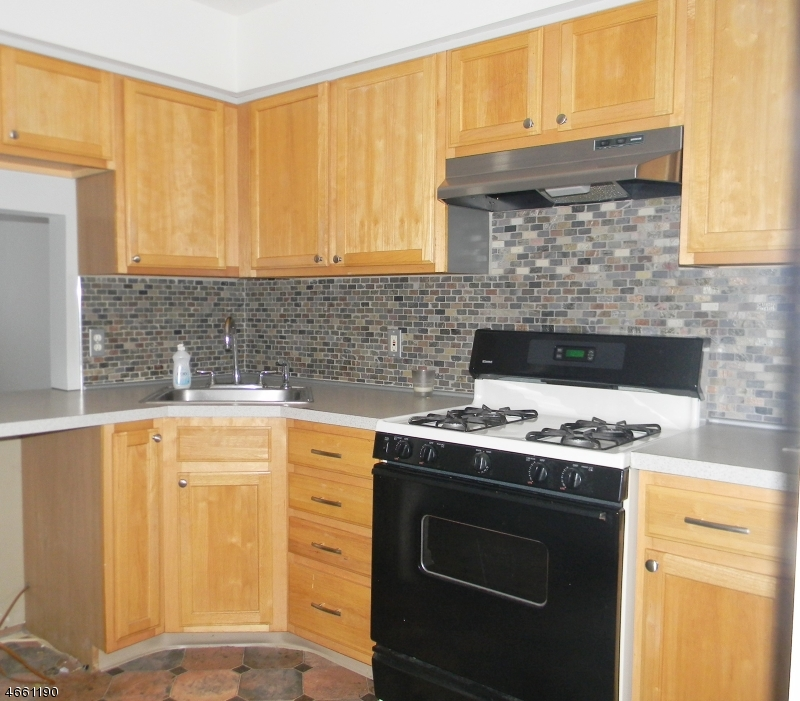 Additional photo for property listing at 118 Irvine Turner Blvd  Newark, Нью-Джерси 07103 Соединенные Штаты
