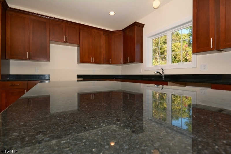 Additional photo for property listing at 10 Mountain View  Phillipsburg, New Jersey 08865 États-Unis