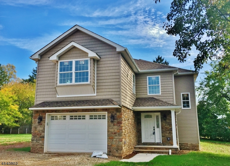 Частный односемейный дом для того Продажа на 31 W Gibbons Street Linden, 07036 Соединенные Штаты