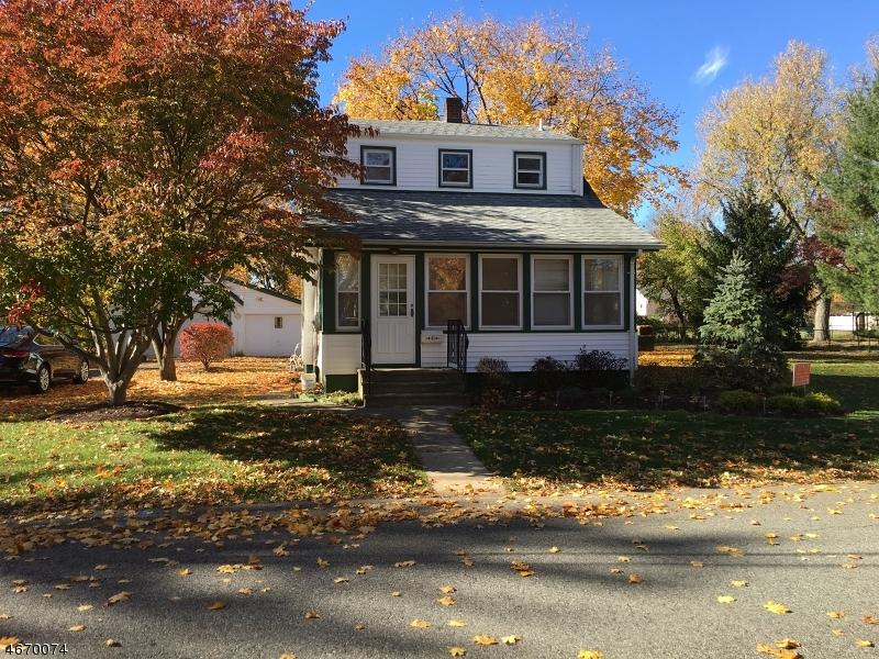 Частный односемейный дом для того Аренда на 5 Augusta Street Pequannock, Нью-Джерси 07440 Соединенные Штаты