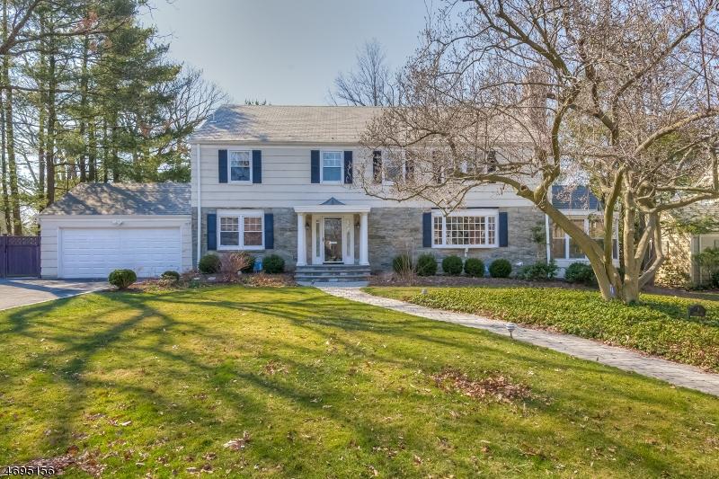 Частный односемейный дом для того Продажа на 6 Overhill Road South Orange, 07079 Соединенные Штаты