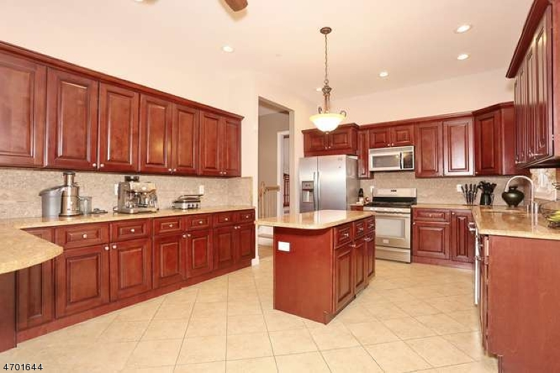Single Family Home for Sale at 123 Longview Drive Emerson, New Jersey 07630 United States