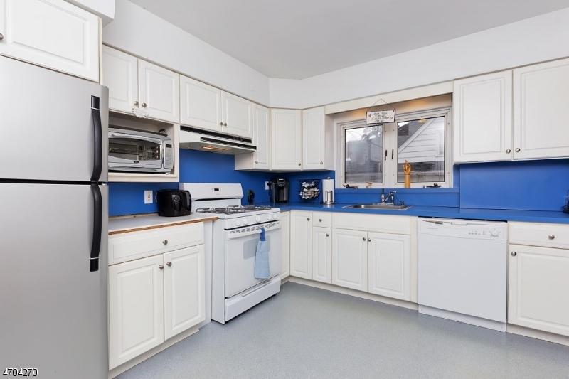 Casa Unifamiliar por un Alquiler en 308 Indian Trail Mountainside, Nueva Jersey 07092 Estados Unidos