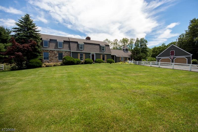 Частный односемейный дом для того Продажа на 47 Gunn Road Branchville, 07826 Соединенные Штаты