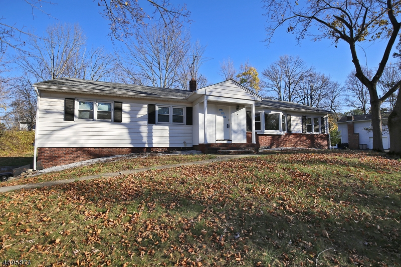 Single Family Home for Sale at 29 Parkside Drive East Hanover, 07936 United States