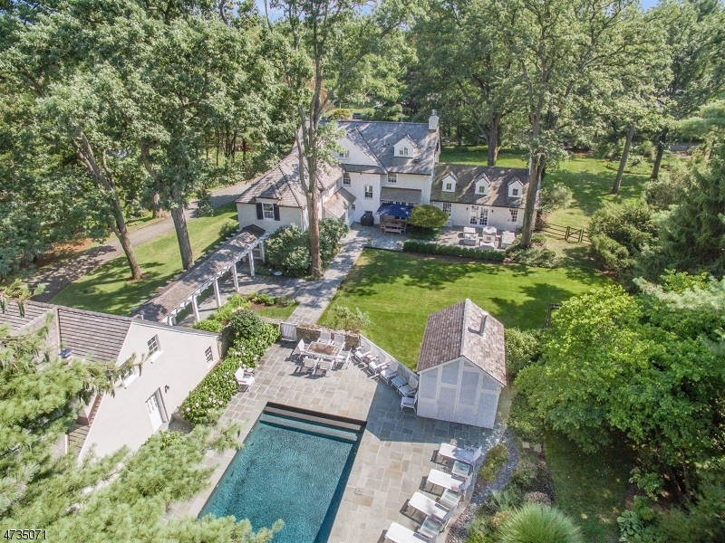 Single Family Home for Sale at 101 Oval Road Essex Fells, New Jersey 07021 United States
