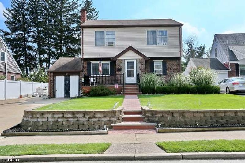 Casa Unifamiliar por un Venta en 22 Spindler Ter Saddle Brook, Nueva Jersey 07663 Estados Unidos