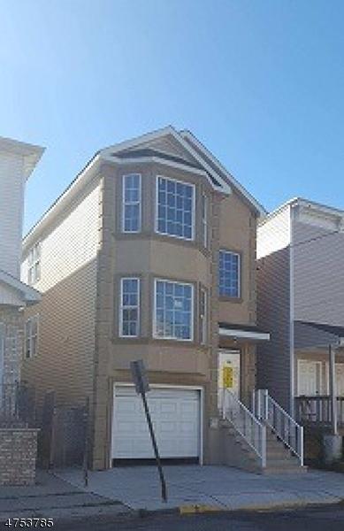 Casa Unifamiliar por un Alquiler en Address Not Available Paterson, Nueva Jersey 07514 Estados Unidos