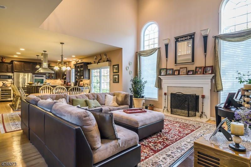 Additional photo for property listing at 8 Windsor Lane  Byram Township, New Jersey 07821 États-Unis