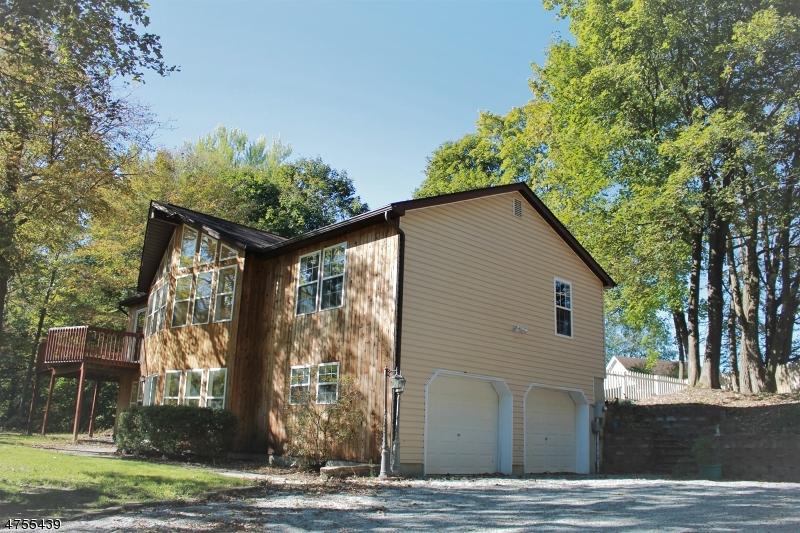 Enfamiljshus för Försäljning vid 24 Hicks Avenue Newton, New Jersey 07860 Usa