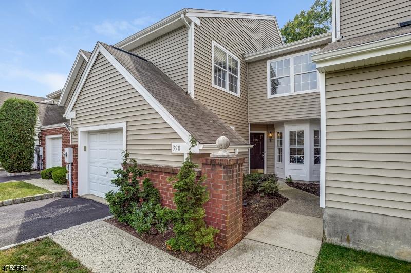独户住宅 为 出租 在 390 Digaetano Ter 西奥兰治, 新泽西州 07052 美国