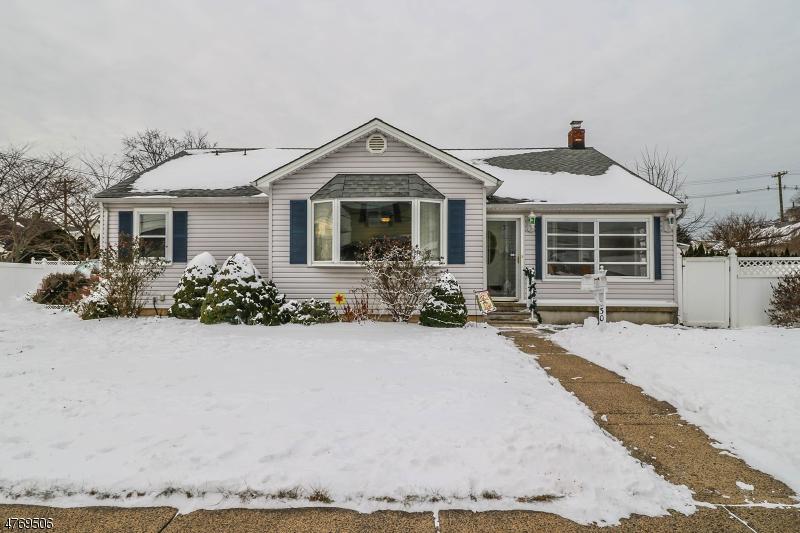 Casa Unifamiliar por un Venta en 30 S 4th Avenue Manville, Nueva Jersey 08835 Estados Unidos