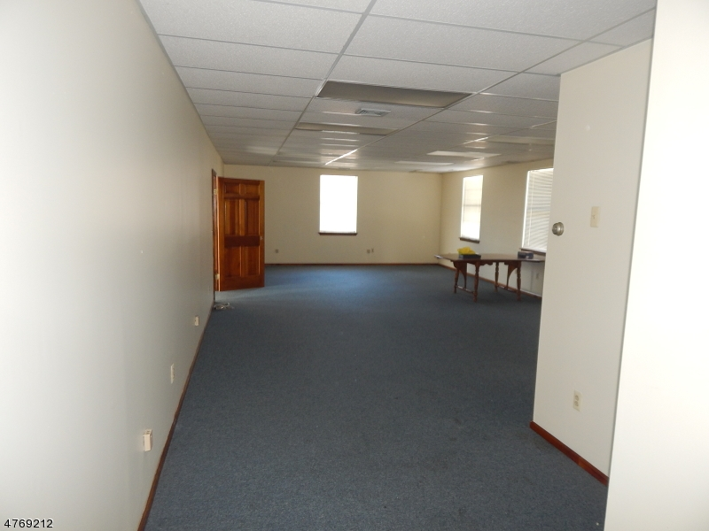 Commercial for Sale at 162 RTE 31 N Unit Hampton, New Jersey 08827 United States