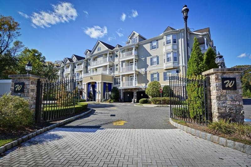 Μονοκατοικία για την Πώληση στο 175 Rochelle Ave, APT 308 175 Rochelle Ave, APT 308 Rochelle Park, Νιου Τζερσεϋ 07662 Ηνωμενεσ Πολιτειεσ