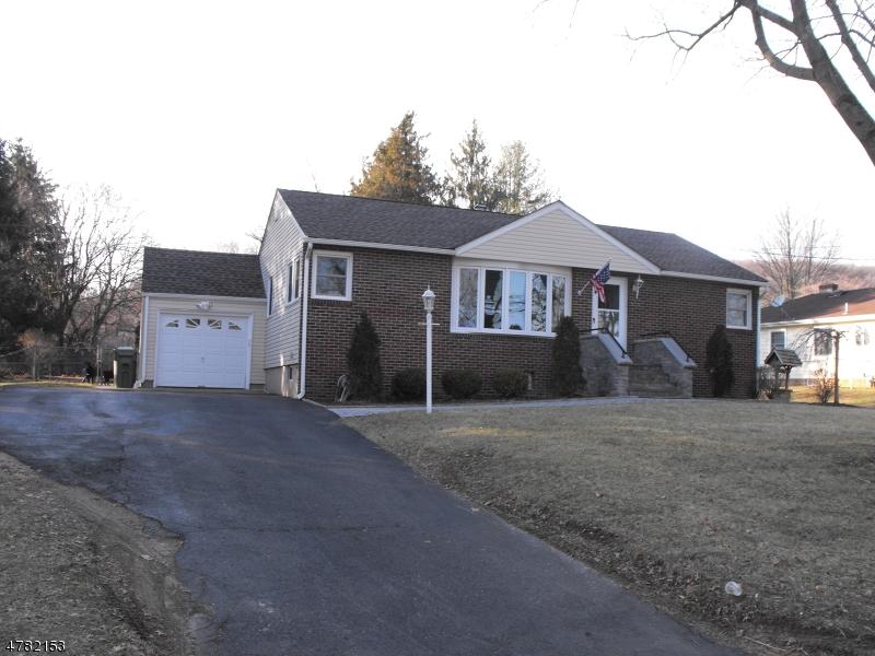 Частный односемейный дом для того Продажа на 19 Bowerstown Road Washington, Нью-Джерси 07882 Соединенные Штаты