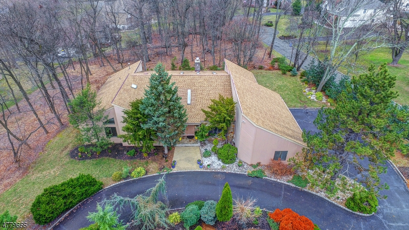 Single Family Home for Sale at 173 ROCK ROAD WEST Green Brook Township, New Jersey 08812 United States
