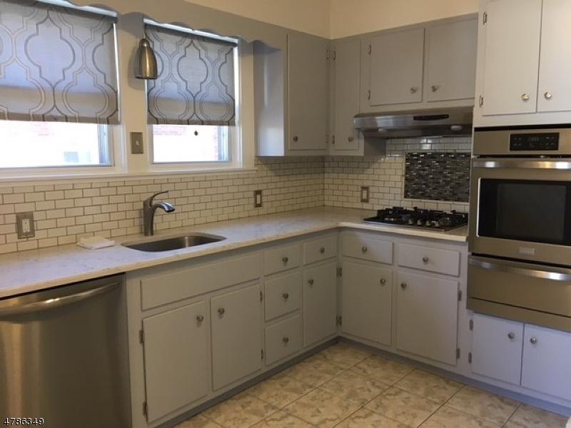 Casa Unifamiliar por un Alquiler en 320 Willow Avenue Garwood, Nueva Jersey 07027 Estados Unidos