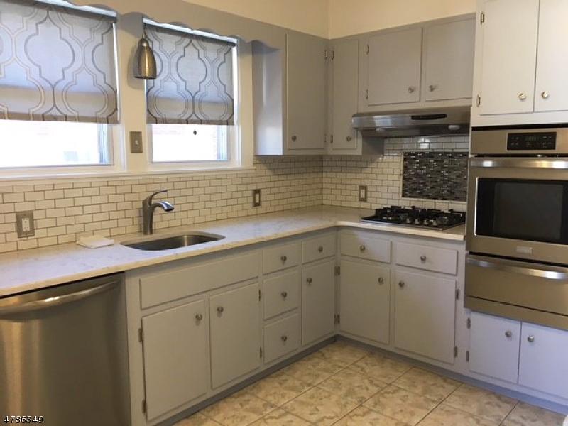 Частный односемейный дом для того Аренда на 320 Willow Avenue Garwood, Нью-Джерси 07027 Соединенные Штаты